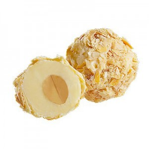 Coconut with almond shavings