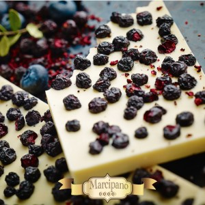 White Chocolate with Bilberries 150 grams